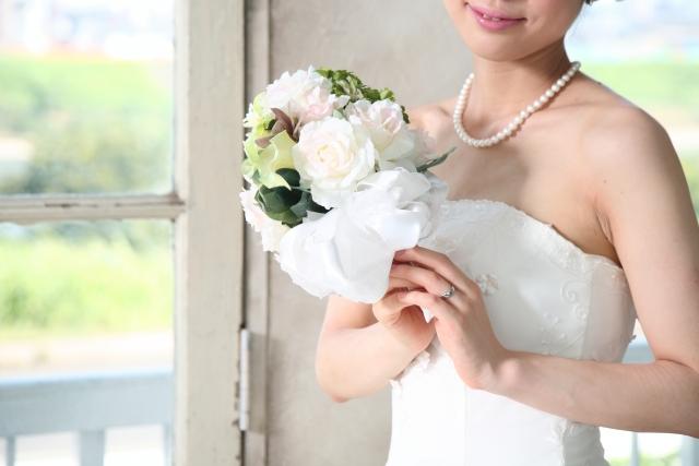 ブライダルホワイトニングで笑顔美人な花嫁に!結婚式までに必要な期間と注意点